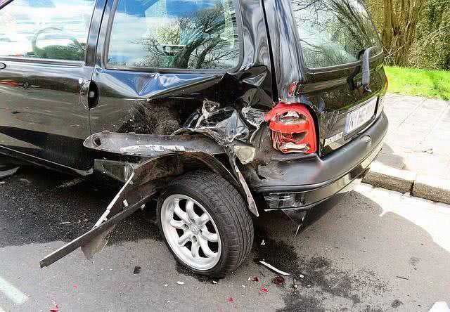 sonhar-com-acidente-automobilistico
