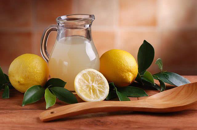 Sonhar com suco de limão