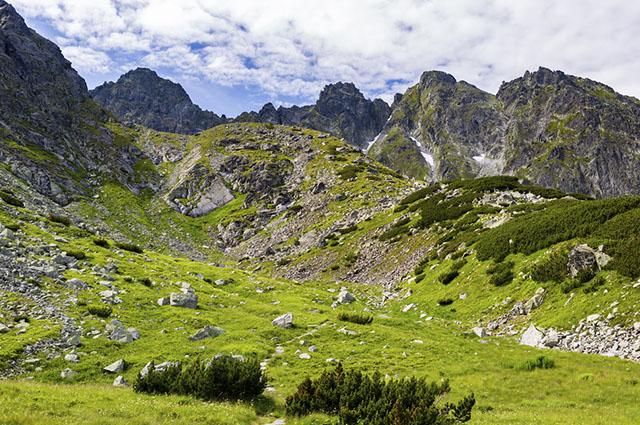 Sonhar com monte e montanhas pode indicar conquistas